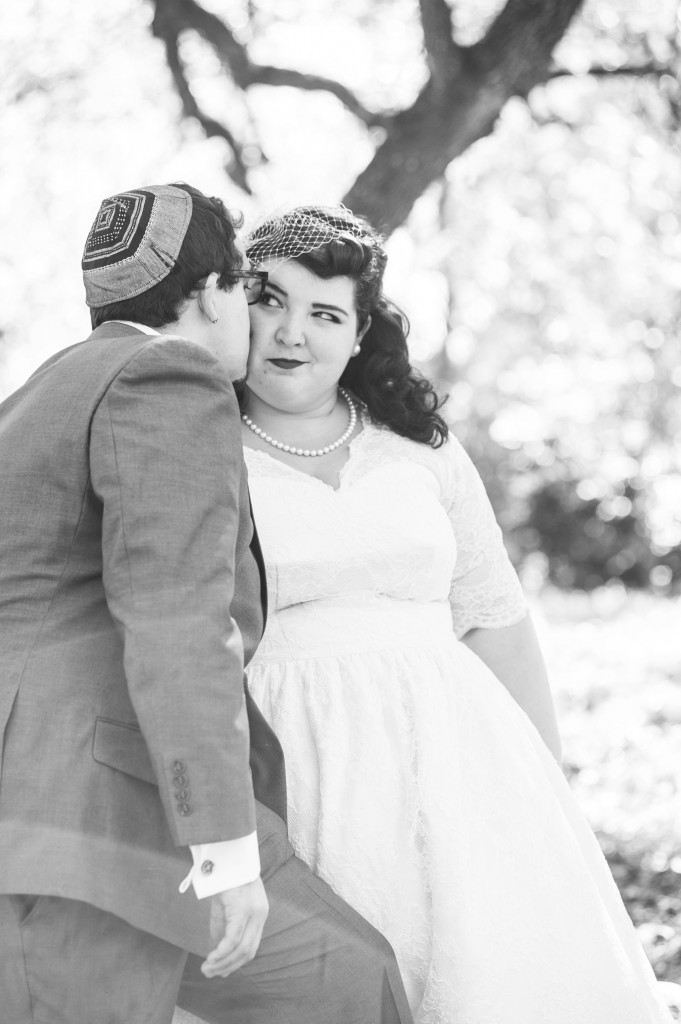 Vintage 50s Inspired Jewish Wedding | Jenna Leigh Photo 10