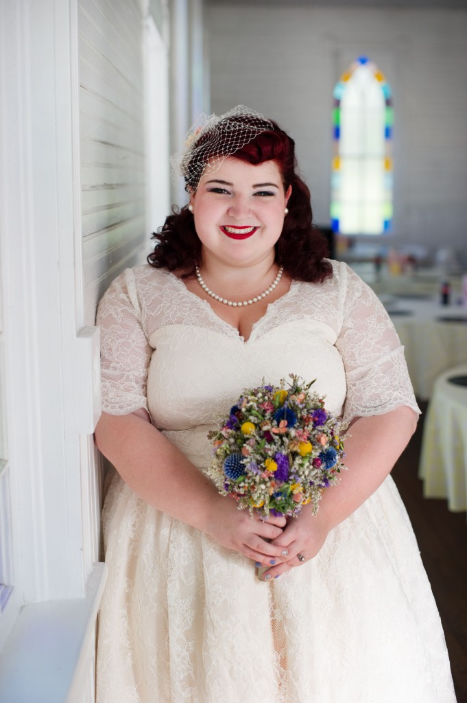 Vintage 50s Inspired Jewish Wedding | Jenna Leigh Photo 11