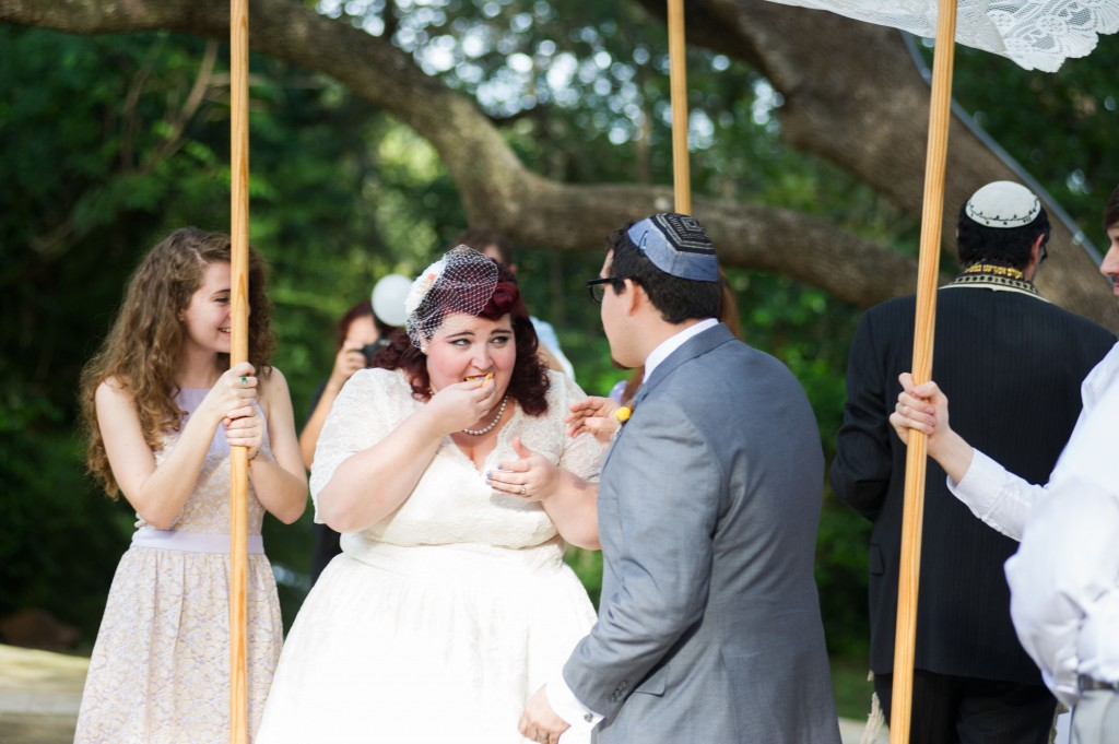 Vintage 50s Inspired Jewish Wedding | Jenna Leigh Photo 38