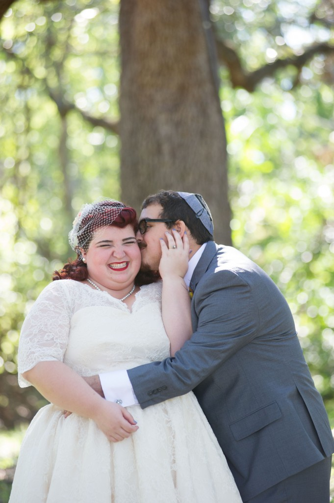 Vintage 50s Inspired Jewish Wedding | Jenna Leigh Photo 9