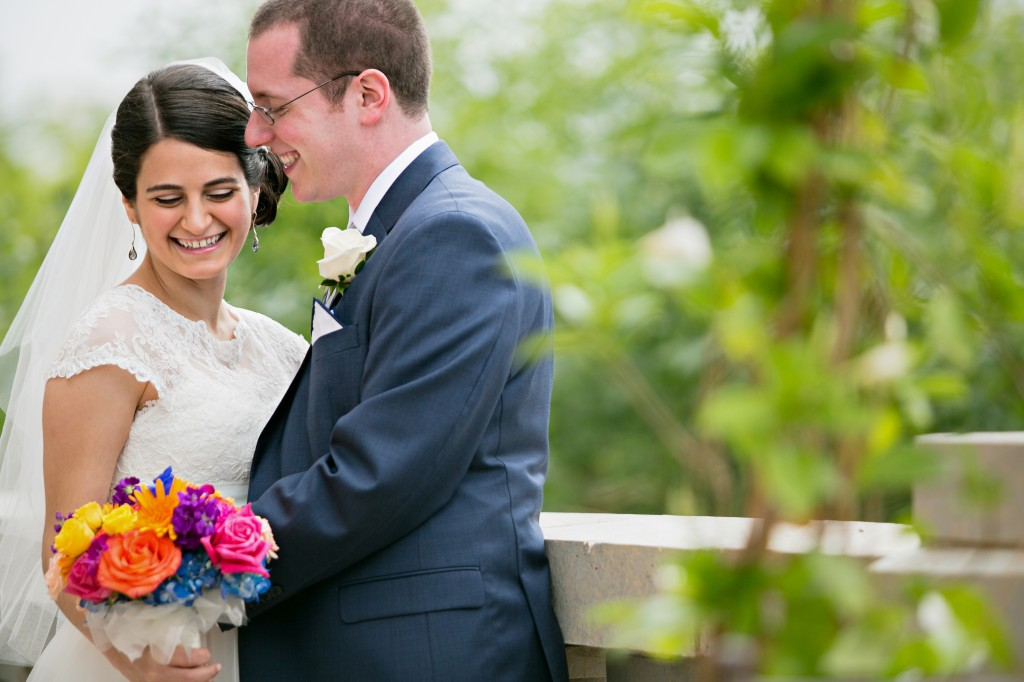 color-pop-jewish-wedding-erinjohnsonphotos-16