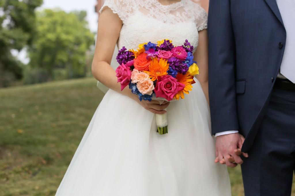 color-pop-jewish-wedding-erinjohnsonphotos-17