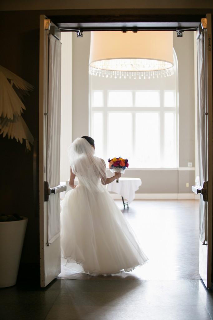 color-pop-jewish-wedding-erinjohnsonphotos-18
