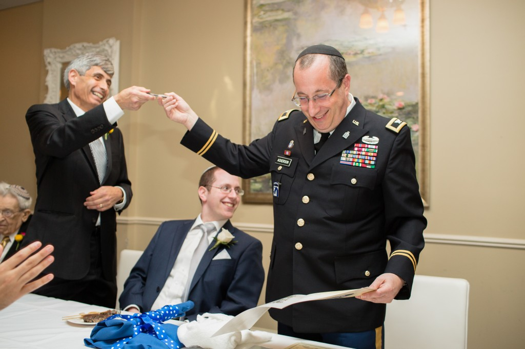color-pop-jewish-wedding-erinjohnsonphotos-24