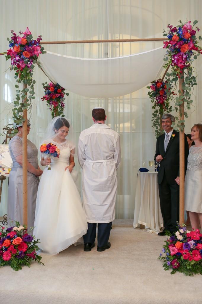 color-pop-jewish-wedding-erinjohnsonphotos-38