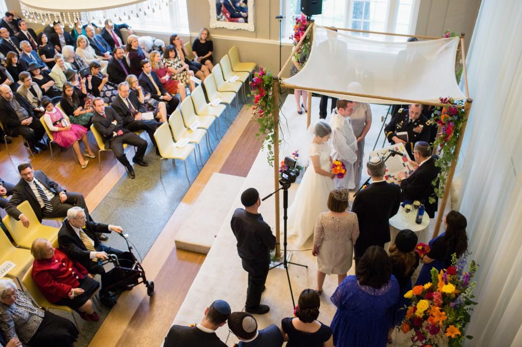 color-pop-jewish-wedding-erinjohnsonphotos-39
