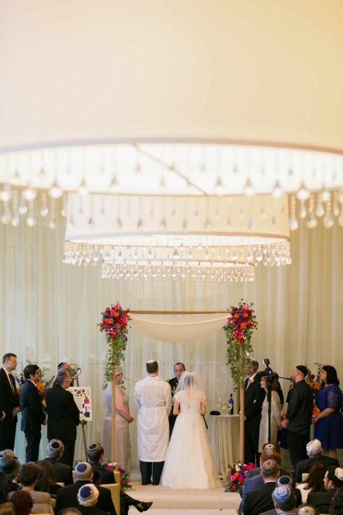 color-pop-jewish-wedding-erinjohnsonphotos-40