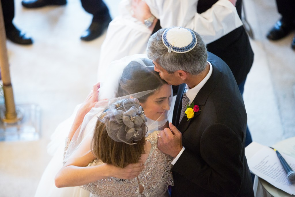 color-pop-jewish-wedding-erinjohnsonphotos-41
