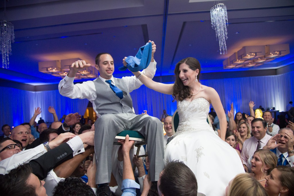 blue-silver-jewish-wedding-virginia-romangrinevphotos33