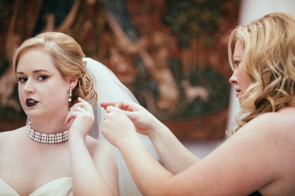 midwest-gothic-wedding-tuanbphotos2