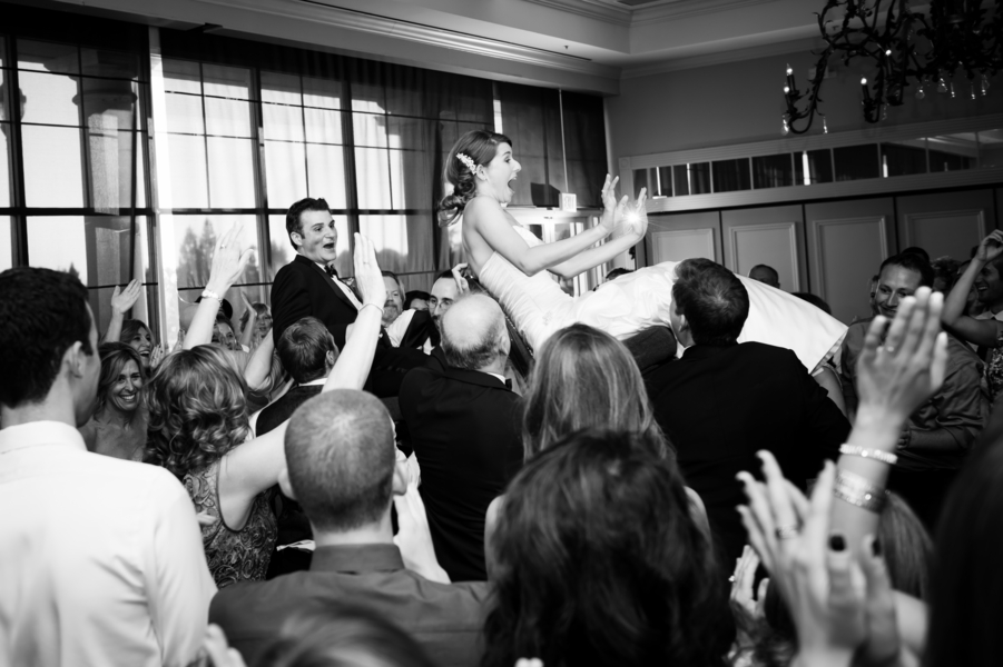 Country Club Jewish Wedding | Julie Nicole Photography 39