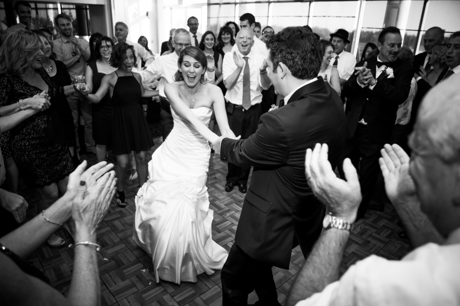 Country Club Jewish Wedding | Julie Nicole Photography 41