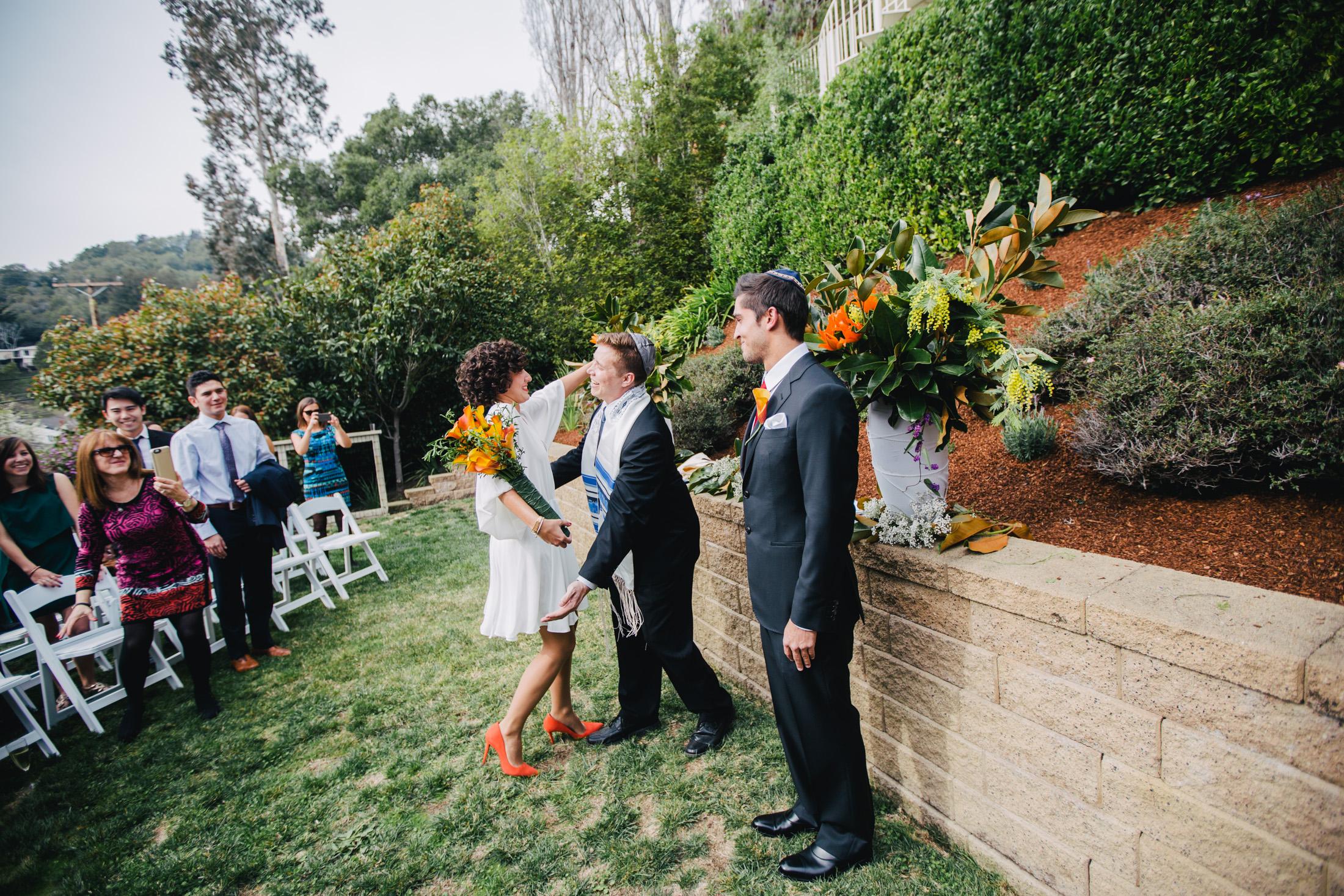 fun u0026 casual backyard jewish wedding in california the big fat