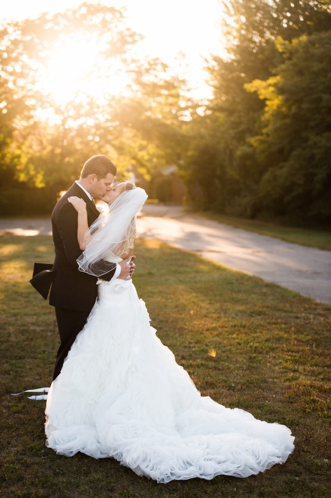 Massachusetts Oceanview Wedding | Lovely Valentine Photography 12
