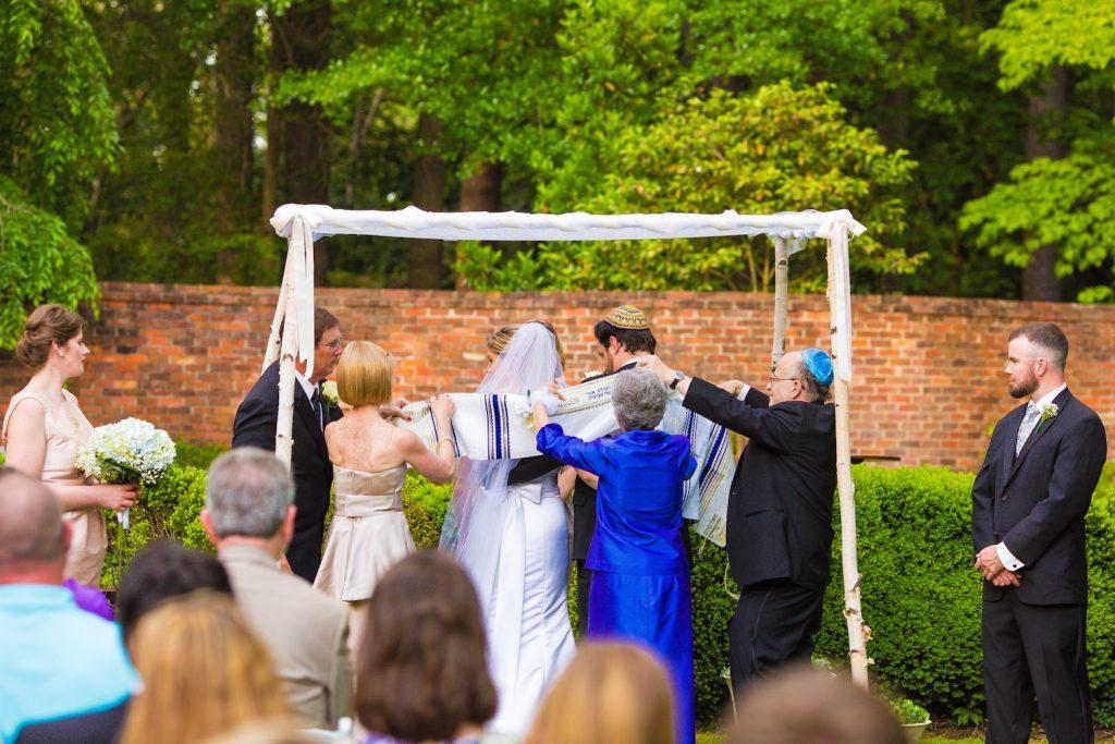 Turquoise Blush NC Jewish Wedding | AOJO Photography 13