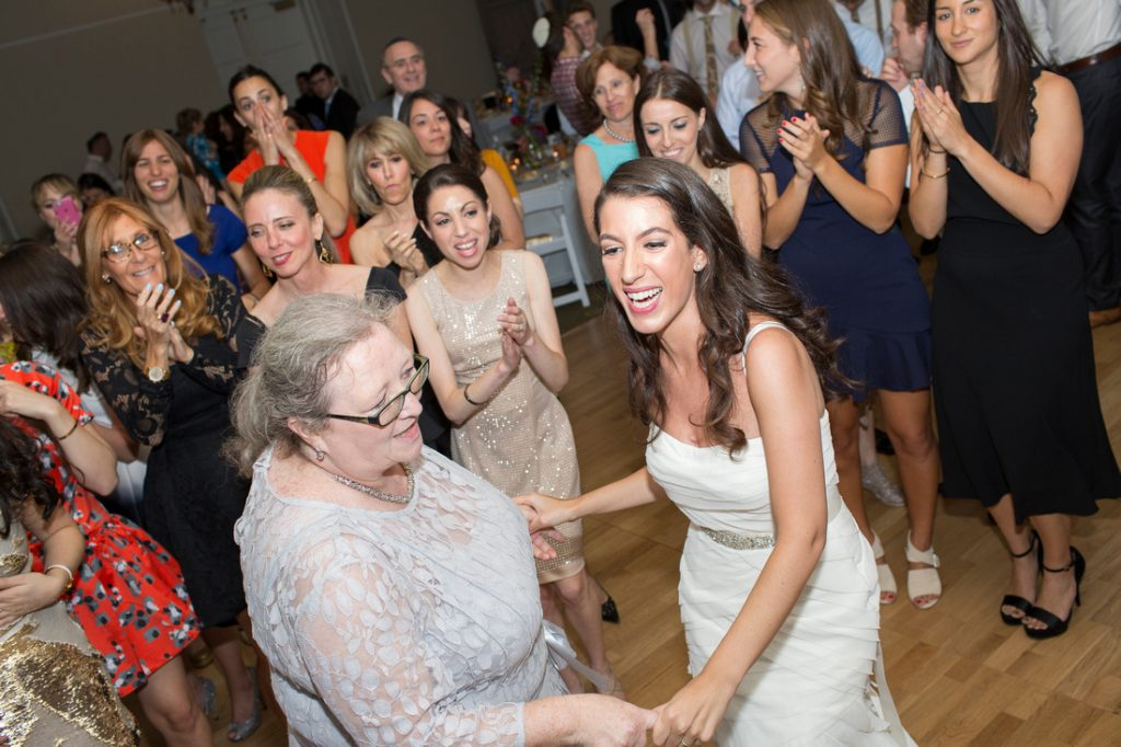 Romantic New York City Jewish Wedding | Tiny Human Photos 12