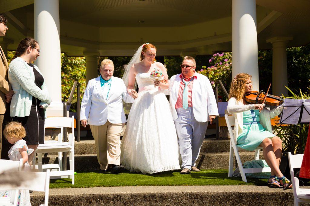 colorful-and-cute-diy-jewish-wedding-joshua-rainey-photos-15