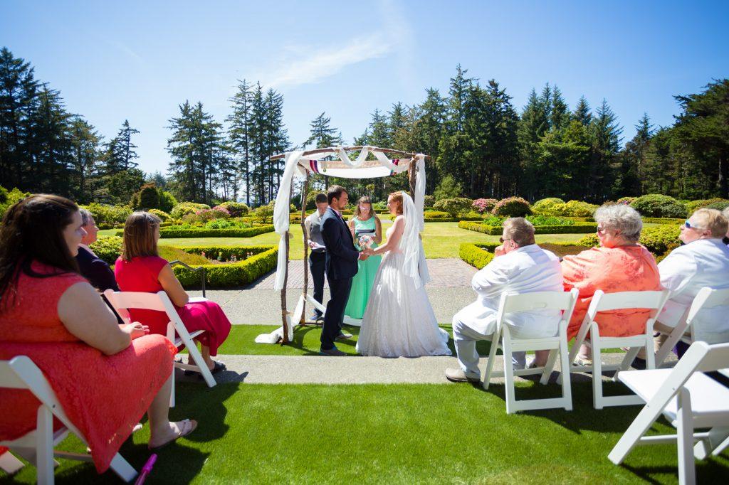 colorful-and-cute-diy-jewish-wedding-joshua-rainey-photos-16