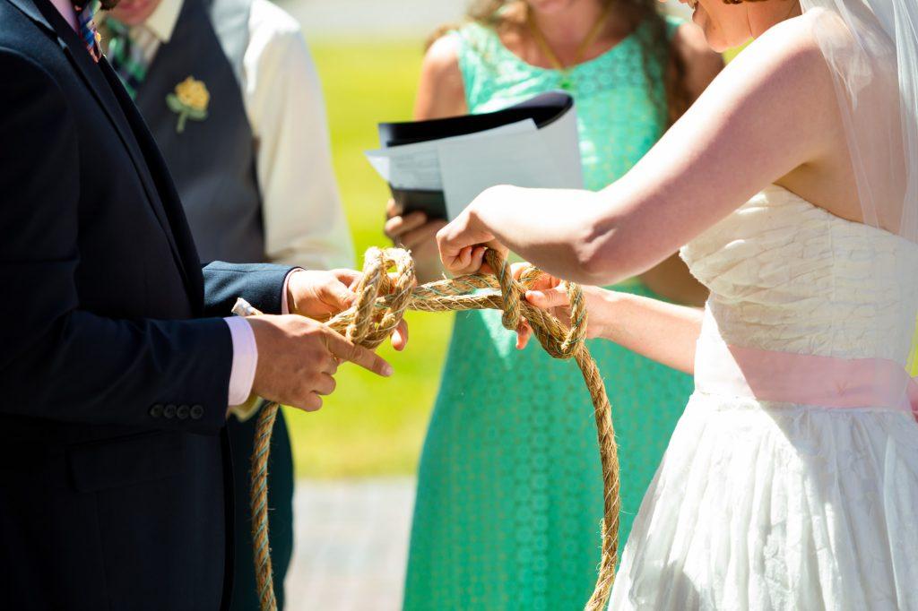 colorful-and-cute-diy-jewish-wedding-joshua-rainey-photos-17