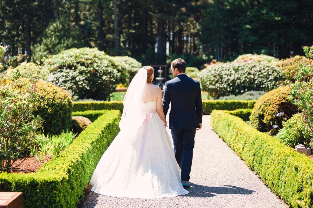 colorful-and-cute-diy-jewish-wedding-joshua-rainey-photos-22
