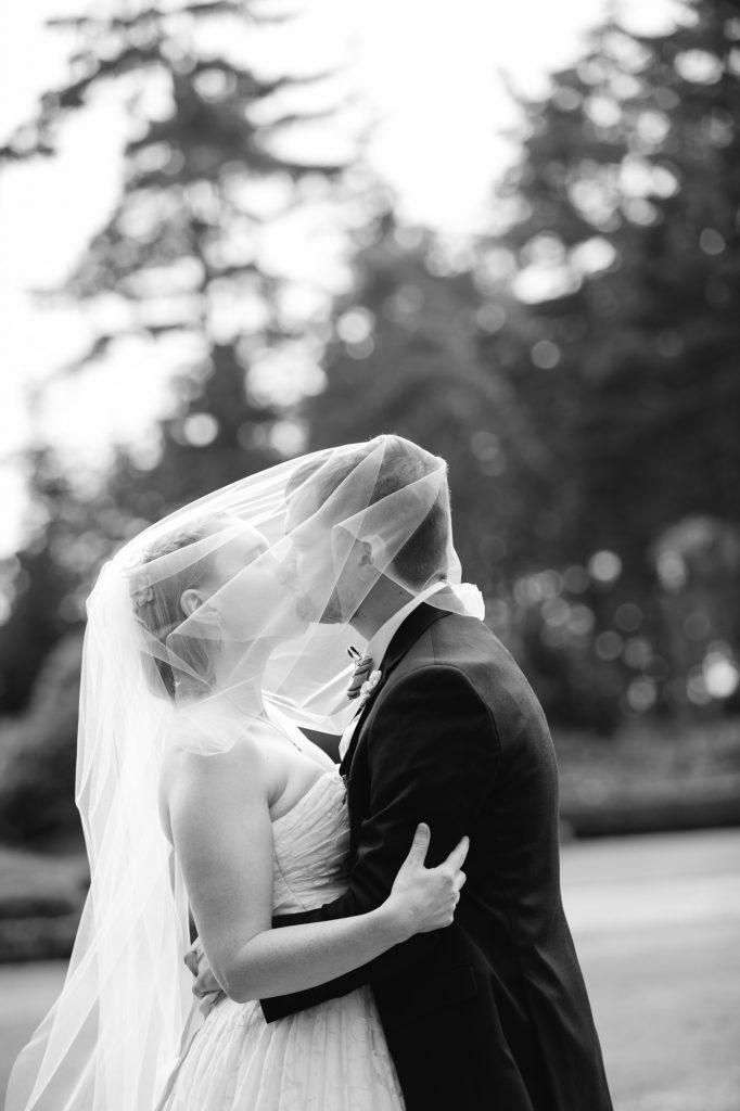 colorful-and-cute-diy-jewish-wedding-joshua-rainey-photos-31