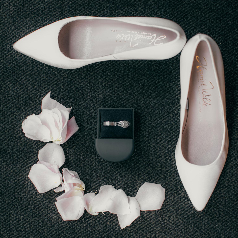 four-seasons-seattle-wedding-clane-gessel-photos-01