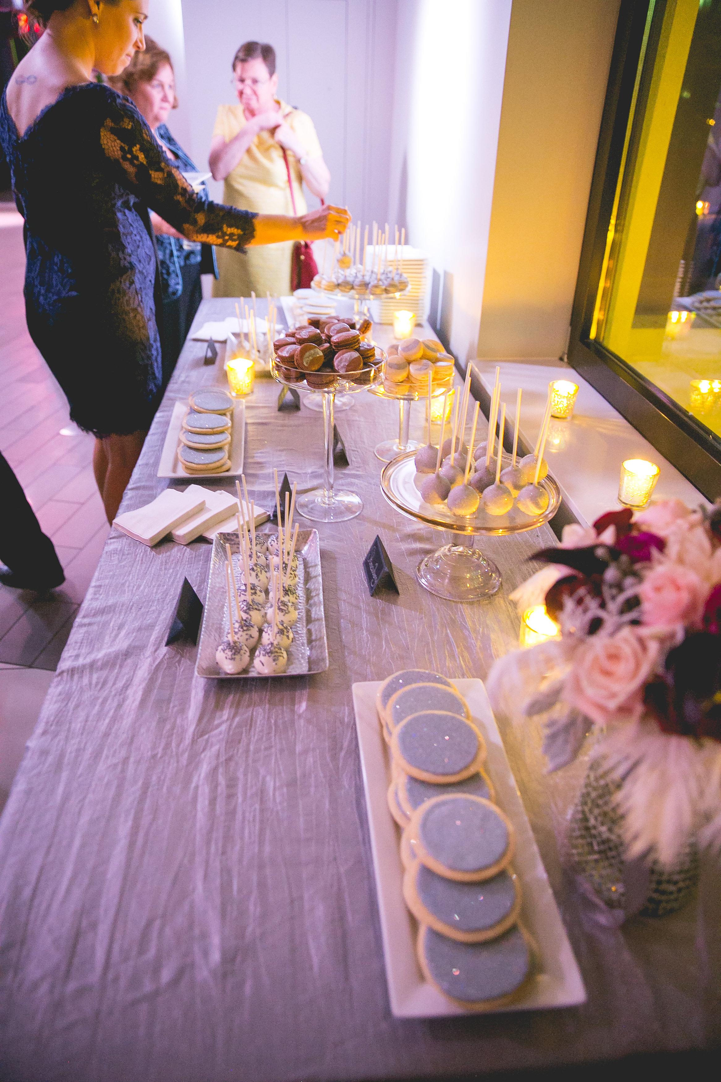 silver-sparkle-jewish-wedding-nashville-shehewe-photography-24