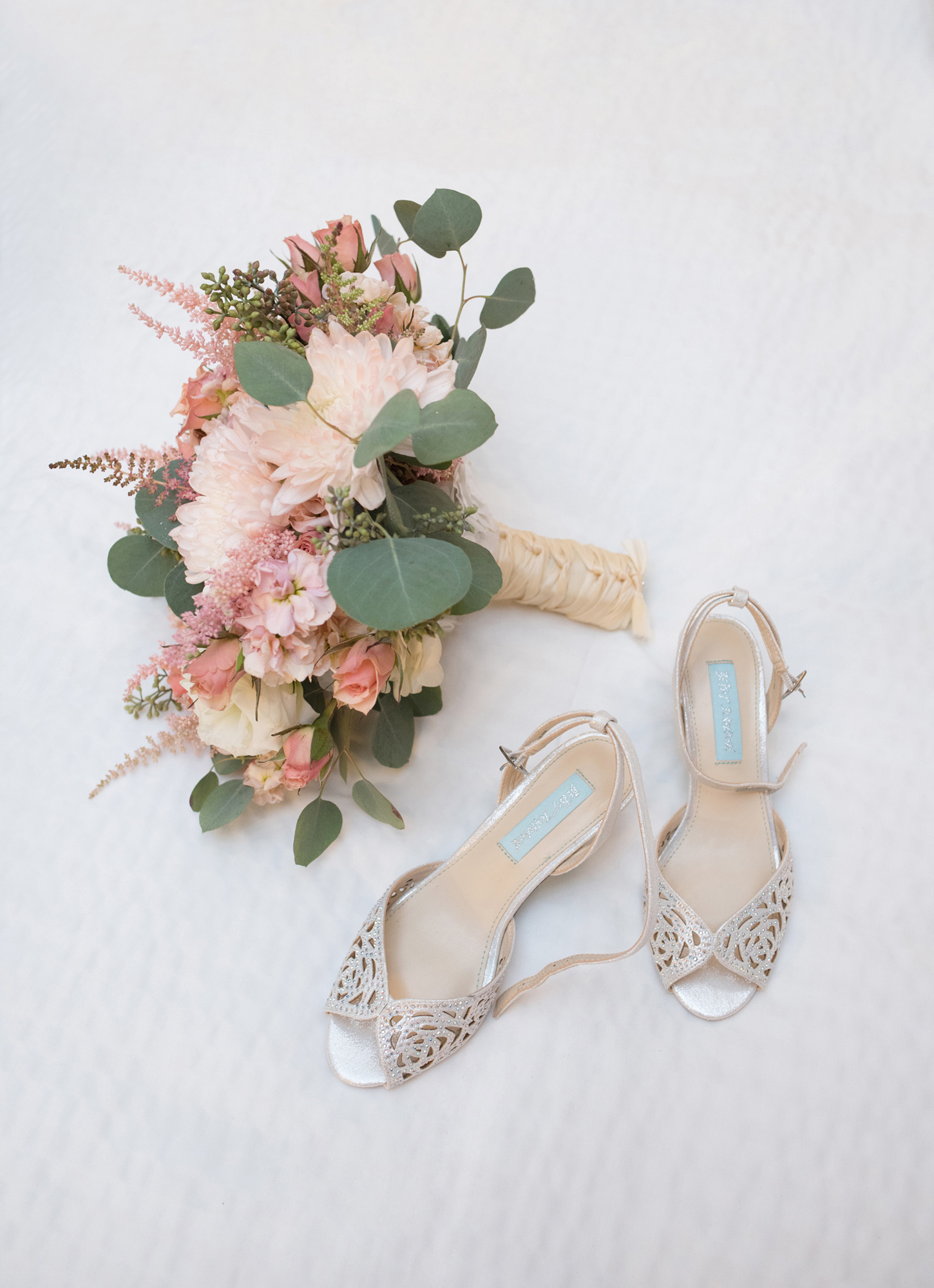 aqua-peach-jewish-beach-wedding-lin-pernille-photo-04
